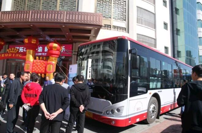 客户参观和试乘试驾申龙新能源客车现场