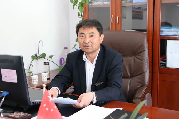 五台山晋旅运通公共交通有限公司公交部总经理杨忠平