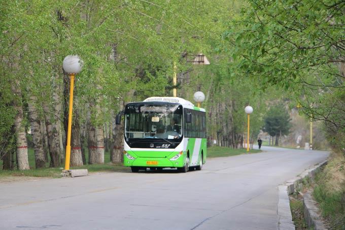 中通电动公交轻松面对各种坡路