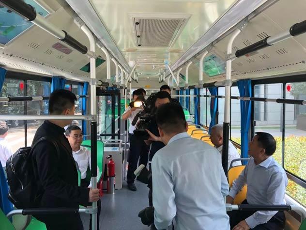 试乘开沃NJL6129EV纯电动公交车