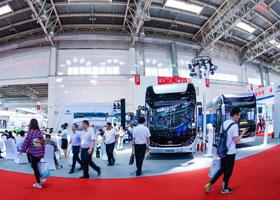 宇通震撼发布新7系中型国六客车
