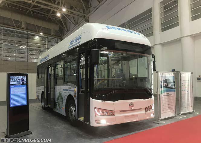 金旅8.5米川流系列氢燃料电池客车