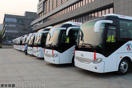 安凯客车为当地旅客提供高品质的运输服务.JPG